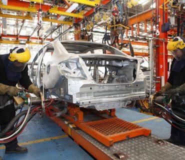 Modificaciones al TLCAN golpearían sector automotoriz